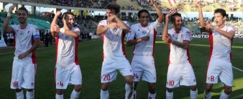 I giocatori del Bari 2012/13 ballano il pezzo del momento.